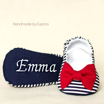 Personalized nautical baby girl shoes, Fabric baby shoes, baby girl shoes, navy blue and white fabric with red bow