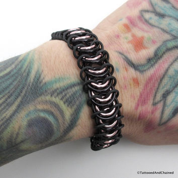 Chainmaille stretchy bracelet, vertebrae weave, pale pink and black