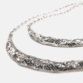Silver Etched Crescent Moon Layer Necklace
