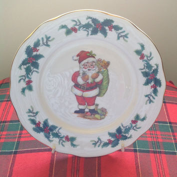 Christmas Plate Featuring Santa Claus/ Duchess - Made in England/Bone China