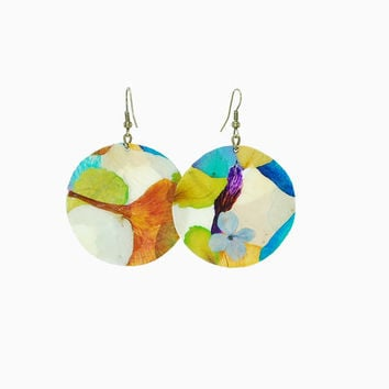 Summer earrings - Feminine earrings - drop shaped earrings - colorful flowers - spring flowers - summer trends
