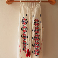 White Boho Top Spaghetti Strap Tops Embroidery Top Tanktops Summer Bohemian Blouse (Free Size US8-US10)