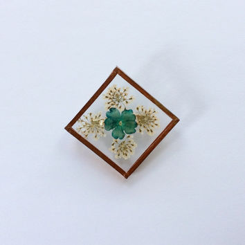 Pressed Flower Brooch / Copper Frame Brooch / Vintage Pin / Handmade Copper Pin / Copper and Glass Pin / Vintage Brooch