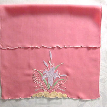 Madeira Guest Towel Salmon Pink Pastel Hand Embroidered Antique Linens Bath Tea Hand Towel Shabby Cottage Chic Bathroom Applique Embroidery