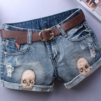 Shorts Woman Sexy Skull Appliques Ripped Short