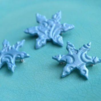 Snowflake brooch small- winter accessories