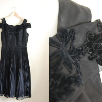 The Mansfield - Vintage 50s Black Velvet Trimmed Party Prom Accordion Dress