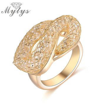 Mytys New Fashion Trendy Snake Shape Wire Mesh Net Crystal Rings For Female 2017 Jewelry Gift Champagne Color Rings R1240