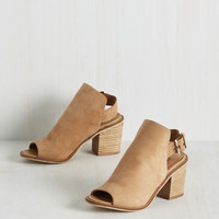 Kick Up and Go Heel in Latte | Mod Retro Vintage Heels | ModCloth.com
