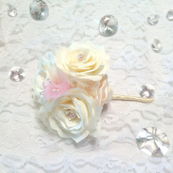 Ivory and pink corsages, Pin on corsage, Wedding corsage, Groomsmen boutonnieres, Ivory lapel pin, Buttonhole flower, Prom boutonniere