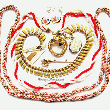Destash Lot Vintage Costume Jewelry / Jewellery, Gold / Pearl / Red