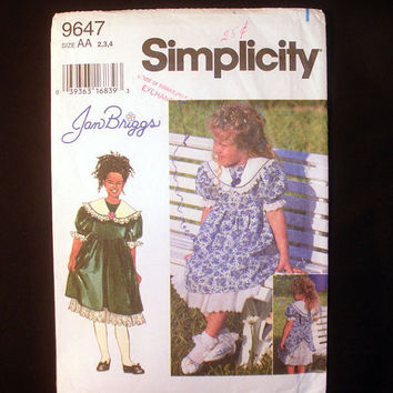 Girls Dress, Toddler Size 2, 3, 4 Simplicity 9647 Sewing Pattern Uncut