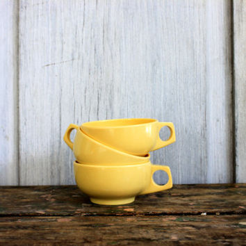 "authentic vintage MELMAC melamine cups // harmony house ""catalina"" // butter yellow // set of 3"