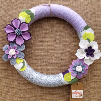 Purple and white yarn wreath, floral wreath, grey wool felt, yarn and felt flower wreath, floral wreath, large 14 inch size, ready to ship