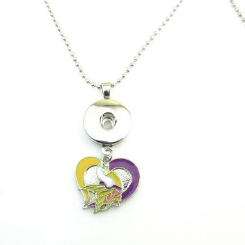 Free shipping Heart Enamel Football Minnesota Vikings Pendant Necklace For DIY 18mm snap button Necklace Jewelry 5pcs/lot