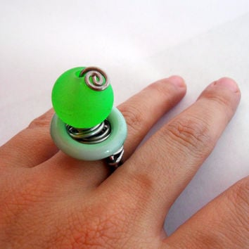 Crisp lemon - neon green gummy bear looks wire wrapped ring