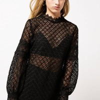 Amia Lace Blouse
