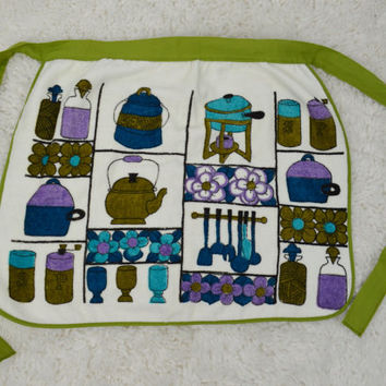 Vintage Apron 70s Kitsch Groovy Terry Cloth Floral Kitchen Home Womens 1970's Accessories blue Green Violet Fondue Funky White Retro
