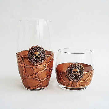 Pirates of the Caribbean Glasses  Set 2 Pirate Glasses for glasses Alcohol Whiskey Rum Soft Drinks Water Pirate Skull Skulls Gift man