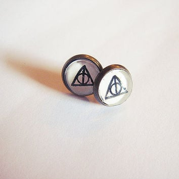 Harry Potter inspired earrings - Deathly Hallows studs 10mm