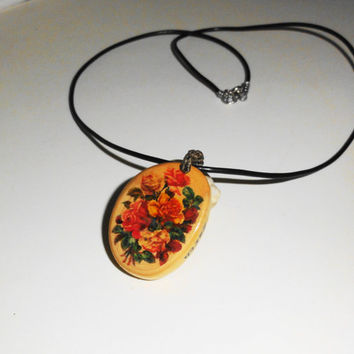 Vintage wooden necklace, Vintage flowers pendant, Natural wood pendant,  Original gifts,  Handmade necklace, Effective locket, Gift for her