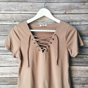 Walker Lace Up Tee (Taupe)