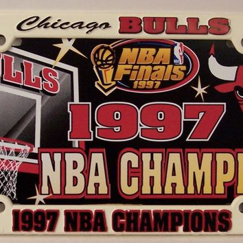 CHICAGO BULLS NBA 1997 CHAMPS LICENSE PLATE AUTO TAG AND FRAME