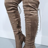 How To Live Boots: Taupe