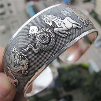 2014 Hot Sale Retro Tibetan Tibet Silver Chinese Zodiac Bracelets Silver Color Metal Animal Totem Cuff Bangles Jewelry