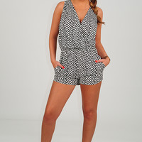 Along The Wave Romper: Black/Off White