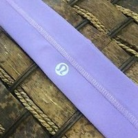 *FREE SHIP USA* NWT Lululemon Fly Away Tamer Headband LAVENDER Light Purple