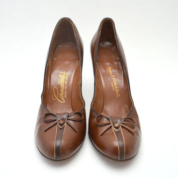 Gorgeous Vintage Brown Pumps by Carmelletes, Two Tone Brown Heels with Bow, Size 9, c 1950s-1960s