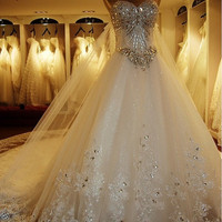 Custom Luxury Long Tail Wedding Dresses Bridal Gowns