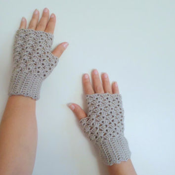 Fingerless gloves,beige crochet gloves, lace fingerless gloves, Fall color beige, Teen,  gloves for woman, winter outfit, wrist warmer