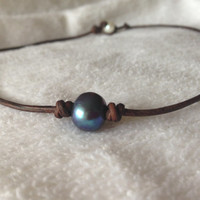 Peacock Freshwater Pearl and Leather Choker Necklace