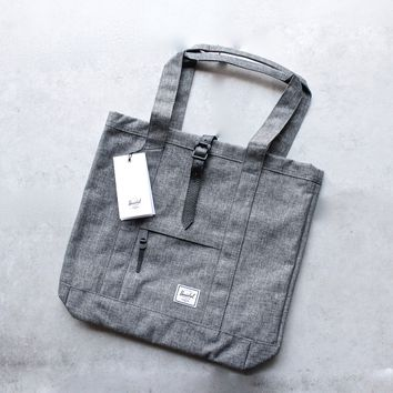 herschel supply co. - market tote - Raven Crosshatch