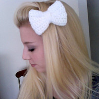 Crochet White Sparkle Bow Clip Hello Kitty by MakeItMineCrochet