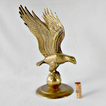 Vintage Brass American Eagle Statue, Brass Bird of Prey, Mid Century Military Man Cave Patriotic Decor, Men's Desk Accessory, Veteran Gift