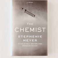 The Chemist By Stephenie Meyer | Urban Outfitters