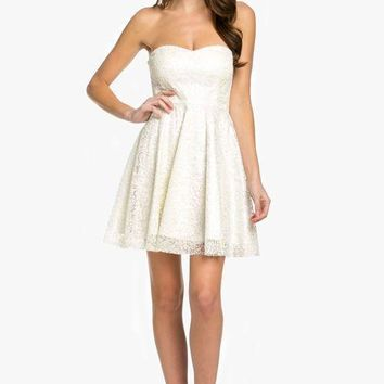 In Love with Lace Strapless Sweetheart Dress