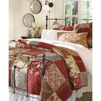Georgia Patchwork Quilt & Sham - Red