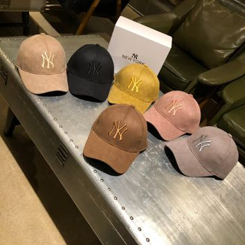 """Gucci x New York Yankees"" Unisex Classic Embossed GG Letter Embroidery Baseball Cap Couple Retro Peaked Cap Sun Hat"