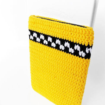 Yellow Taxi Kindle Oasis 2017 cover, Geek Kobo Clara HD case, vegan Tolino Vision 4HD pouch, Nook Glowlight 3 sleeve, Onyx Boox Poke cover