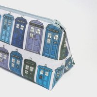 TARDIS Doctor Who makeup bag / cosmetic zipper pouch