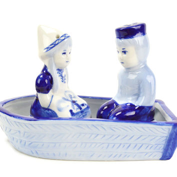Collectible Salt and Pepper Shakers: Delft Boat