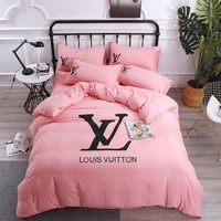Pink Soft Cotton LOUIS VUITTON LV Bedding Blanket Quilt Coverlet Pillow shams 4 PC Bedding Set