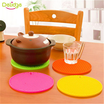 Silicone Table Mat Can Be Hung Durable Round Non-Slip Heat Resistant Mat Coaster Cushion 5 Colors Silicone Placemat