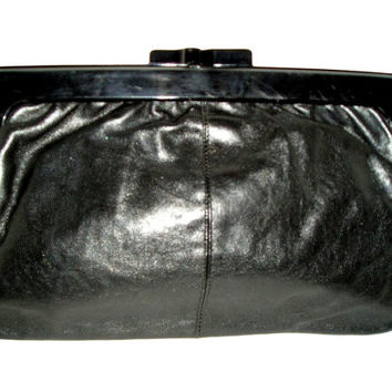 80s BLACK Leather Italian CLUTCH Necessaire Kiss Lock Bakelite Frame - Mint Condition
