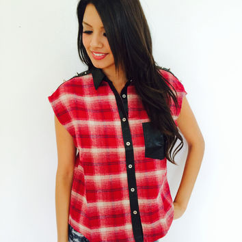 Short Sleeve Plaid Top- Red