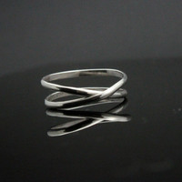 Infinity ring. Sterling Silver ring. Eternity knot, alternative wedding band  Intertwined Promise ring, forever love best friend sister
